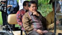 Wakil Ketua DPR Fahri Hamzah saat akan menemui Presiden Joko Widodo di Istana Merdeka, Jakarta, Senin (2/2/2015). (Liputan6.com/Faizal Fanani)