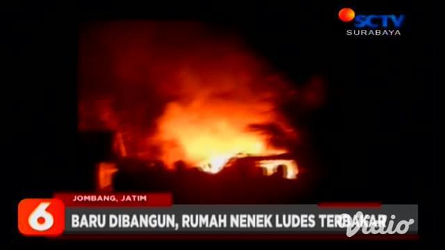 Bengkel sepeda motor di Jalan Jemur Wonosari, Surabaya, ludes terbakar. Sementara itu di Jombang, rumah seorang nenek, yang baru selesai dibangun, juga terbakar akibat korsleting listrik.
