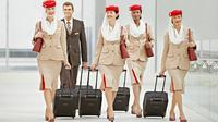 Awak kabin maskapai penerbangan Emirates (Foto: Emirates).