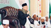Cawapres Ma'ruf Amin menghadiri peringatan Hari Santri Nasional ke-2 bersama ulama se-Madura. (foto: dokumentasi tim kampanye pemenangan Jokowi-Ma'ruf)
