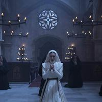Adegan di film The Nun (Warner Bros)