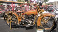Ribuan motor antik dan unik mengikuti perhelatan tahunan Djogjantique Day 2019 di Mandala Krida Yogyakarta (Liputan6.com/ Switzy Sabandar)
