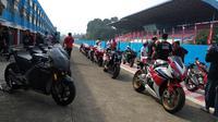 MotoGP Street Experience memberikan kesempatan untuk menjajal motor RC213V-S (Amal/Liputan6.com)