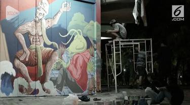 Dinding dinding pertokoan dan bangunan di sepanjang koridor jalan Gatot Subroto, Solo, Jawa Tengah, kini hidup dan indah dipandang.