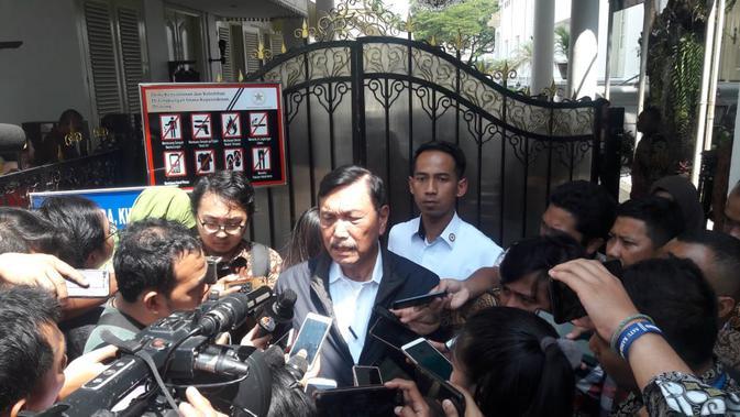 Menteri Koordinator Bidang Kemaritiman Luhut Binsar Panjaitan mengaku diutus capres petahana Jokowi untuk bertemu capres nomor urut 02 Prabowo Subianto.