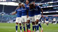 Pemain Everton merayakan gol Dominic Calvert-Lewin pada laga Liga Inggris melawan Tottenham Hotspur, Minggu (13/9/2020). (Twitter)