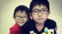 Nathan (9 tahun) menyusul kepergian sang kakak Evan (13 tahun) yang tewas usai jadi korban bom Surabaya. (Foto: Instagram)