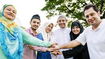 Ukhuwah Islamiyah adalah Persaudaraan Antar Umat Islam, Ketahui Keutamaaannya