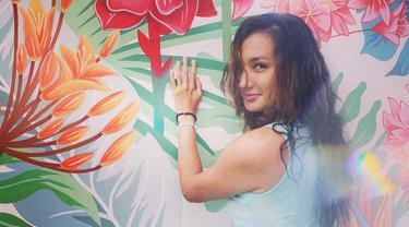 Nadine Chandrawinata merupakan Puteri Indonesia 2005, kariernya di dunia hiburan sebagai aktris, presenter dan model cukup gemilang. (Foto: instagram.com/nadinelist)