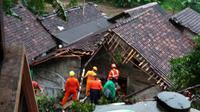 Lokasi rumah yang diterjang longsor dan tertimpa pohon mangga di Kampung Jlagran, Pringgokusuman, Gedongtengen, Kota Yogyakarta. (Liputan6.com/Yanuar H)