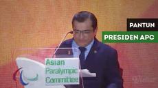 Berita video presiden paralympic committee memberi pantun dan menyanyikan sepenggal lagu Indonesia Raya di acara penutupan Asian Para Games 2018, Sabtu (13/10/2018).