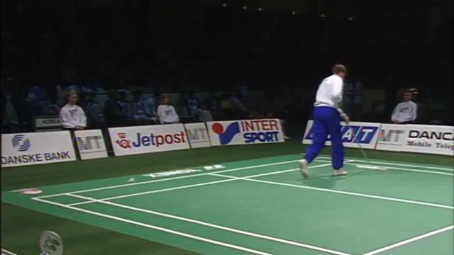 "Berita video flashback momen final Piala Sudirman 1991 partai ketiga nomor tunggal putri, di mana salah satu andalan Indonesia, Susy Susanti, mengalahkan wakil Korea Selatan yang juga ""musuh bebuyutan""-nya, Bang Soo-hyun."