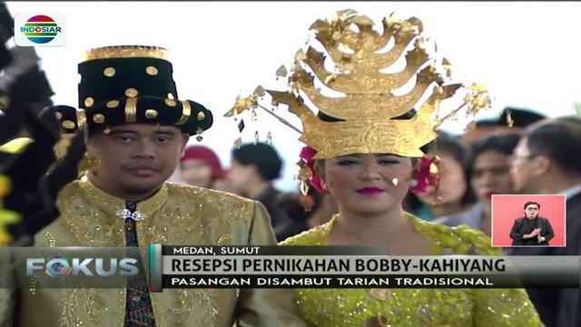 Selain tarian sabe-sabe, lantunan pantun, pujian serta doa juga diberikan kepada Kahiyang Ayu dan Bobby Nasution.