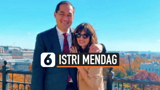 Presiden Jokowi menunjuk Muhammad Lutfi sebagai Menteri Perdagangan yang baru. Sosok Bianca Adinegoro, sang istri pun ramai dibicarakan warganet karena masih terlihat awet muda dan juga mantan selebritas.