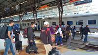 Penumpang kereta api di Stasiun Besar Purwokerto . (Foto: Liputan6.com/KAI Daop 5/Muhamad Ridlo)