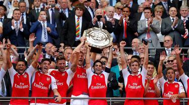 Arsenal berhasil meraih gelar juara Community Shield 2015 usai menaklukkan Chelsea dengan skor 1-0 di Stadion Wembley, Inggris. Minggu (2/8/2015) malam WIB. (Action Images via Reuters/Andrew Couldridge)