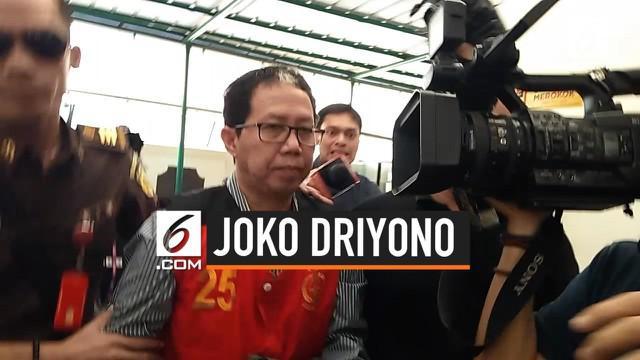 Jaksa menuntut terdakwa mantan Plt Ketua Umum PSSI Joko Driyono dengan hukuman 2 tahun 6 bulan kurungan penjara atas perbuatan merusak barang bukti terkait skandal pengaturan skor.
