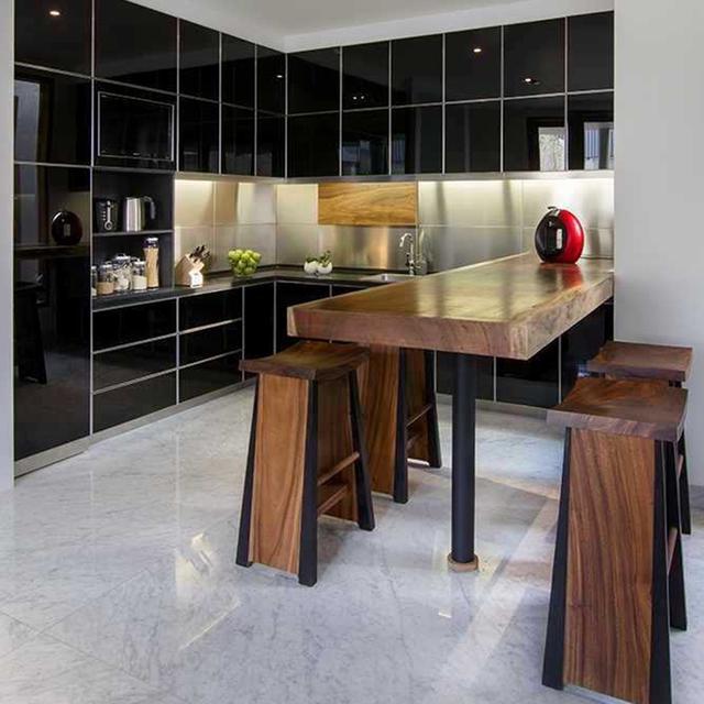 7 Inspirasi Kombinasi Warna Hitam untuk Dapur yang Elegan - Lifestyle  Liputan6.com