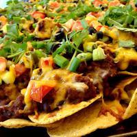 Jadikan nachos lebih enak dan sehat dengan 5 bahan pengganti tortilla chips ini. (Via: youtube.com)