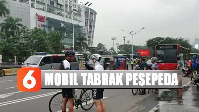 Pengemudi mobil yang menabrak para korban diketahui bernama Toto Prasetyo, seorang PNS di Polres Jakarta Selatan.