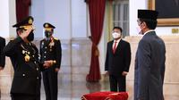 Presiden Joko Widodo atau Jokowi melantik Listyo Sigit Prabowo sebagai Kapolri di Istana Negara, Rabu (27/1/2021). (Foto: Sekretariat Presiden)