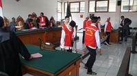 Sidang tuntutan para terdakwa perkara pengeroyokan suporter Persija Haringga Sirla kembali ditunda, Selasa (2/4/2019). (Huyogo Simbolon)