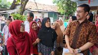 Warga di RT 02/01 Kelurahan Jurumudi, Kecamatan Benda Kota Tangerang, mengeluhkan pembebasan lahan untuk pembangunan Jalan Tol Kunciran-Bandara Soekarno Hatta kepada Anggota DPR RI Fraksi PDI Perjuangan, Marinus Gea.