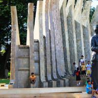Taman Proklamasi yang berlokasi di Jalan Pegangsaan merupakan lokasi dibacakannya teks proklamasi oleh Sukarno dan Hatta.