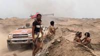 Milisi pro-pemerintah Yaman yang didukung Koalisi Arab Saudi dalam sebuah operasi untuk memasuki Kota Hodeidah (AFP PHOTO)