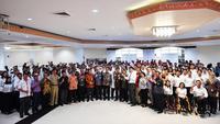 Menpora Imam Nahrawi menyampaikan ucapan selamat bergabung kepada para 286 CPNS yang menjadi warga baru di lingkungan Kemenpora.