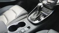 Tenaga dari mesin disalurkan ke roda depan melalui sistem continuously variable transmission (CVT) 8-percepatan. (Arief/Liputan6.com)