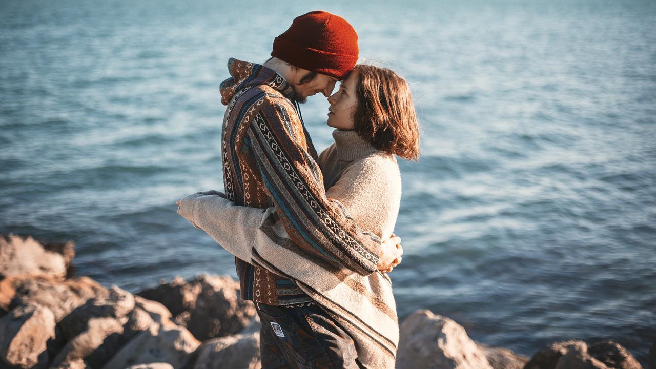 6 Pasangan Zodiak yang Hubungannya Cenderung Langgeng dan Awet