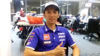 Pebalap Yamaha, Indonesia, Wahyu Aji Trilaksana, berusaha menjalankan kewajiban berpuasa Ramadan di tengah-tengah menjalani latihan dan balapan di ajang ARRC. (Bola.com/Yus Mei Sawitri)