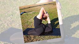 Awalnya  selama bertahun-tahun, Dana Falsetti sempat menderita depresi dan gangguan pola makan. Namun sejak mengenal yoga, hidup wanita 22 tahun itu berubah lebih baik. (instagram.com/nolatrees)