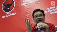 Ketua DPP PDIP, Djarot Saiful Hidayat memberi keterangan terkait Kongres V PDI Perjuangan tahun 2019 di Jakarta, Kamis (1/8/2019). Kongres dilaksanakan di Bali pada 8 Agustus 2019 dan mengambil tema Solid Bergerak Untuk Indonesia Raya. (Liputan6.com/Helmi Fithriansyah)