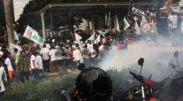 20160520-Demo-KPK