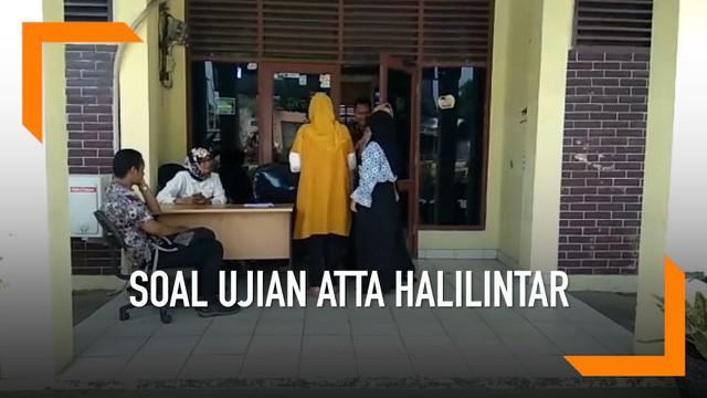 Youtuber Atta Halilintar jadi bahan soal dalam ujian SD di Serang, Banten. Menanggapi hal ini pihak terkait dan beberapa sekolah tutup mulut dan memberikan komentar.