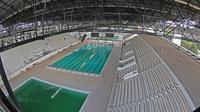 Suasana Venue Aquatic Center dalam tahap renovasi di Kawasan Senayan Sport Center, Jakarta (04/10/2017). Kolam renang ini dikerjakan sesuai standar internasional dari Federasi Renang Internasional (FINA). (Bola.com/Nicklas Hanoatubun)