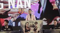 Atlet Martial Art China Xiong Jing Nan hadir dalam konferensi pers ONE: Kings of Courage di Jakarta, Kamis (18/1). Pertandingan yang bertemakan 'King Of Courage' akan diselenggarakan 20 Januari 2018. (Liputan6.com/Faizal Fanani)