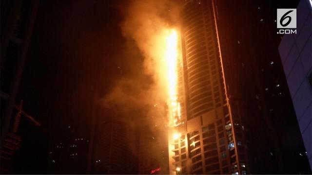 Api mulai muncul sejak pukul 1 dini hari waktu setempat. Pertahanan Sipil Dubai dengan cepat berhasil mengevakuasi para penghuni gedung.