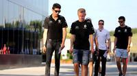 Rio Haryanto harus bersaing dengan Kevin Magnussen dan Esteban Ocon dalam memperebutkan kursi Renault untuk F1 2017. (Motorsport)