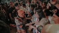 Tri Rismaharini Kunjungi Gereja di Surabaya (Sumber: Instagram/@surabaya)
