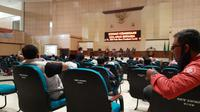 ratusan perwakilan ormas di Kabupaten Tasikmalaya, Jawa Barat melaksanakan deklarasi pilkada damai, di gedung DPRD Kabupaten Tasikmalaya. (Liputan6.com/Jayadi Supriadin)
