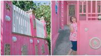 Mulai dari gerbang sampai interior dalam rumah serba Hello Kitty. (Sumber: TikTok/@fitrikitty93)