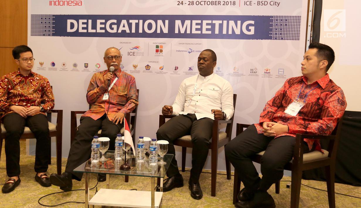 Dubes RI untuk Nigeria dan Congo, Harry Purwanto (kedua kiri) memberikan sambutan di hadapan pengusaha muda pada acara Delegation Meeting Trade Expo Indonesia di ICE BSD, Tangerang, Kamis (25/10). (Liputan6.com/Angga Yuniar)