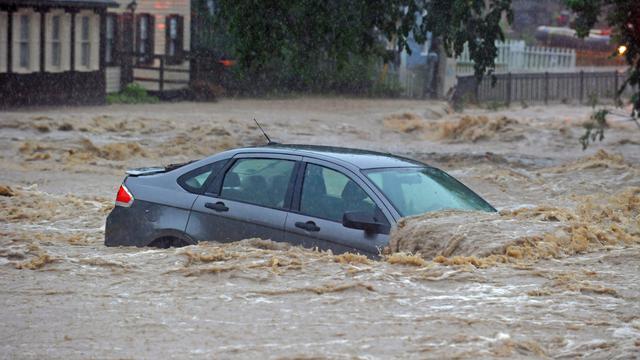 Banjir Bandang Landa Maryland Jalan Utama Jadi Seperti Sungai