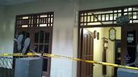 Tetangga Korban, Sri Hariati (45) mengaku curiga dengan kondisi Widji yang sudah seharian tidak keluar rumah.