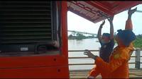 Basarnas Jawa Barat operasikan water treatment di kawasan banjir Kabupaten Bandung. (Dok. Basarnas)