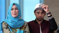 Sebagai seorang ibu, akan merasakan sedih anaknya selalu menjadi perbincangan hal negatif. Begitu juga Amy Qanita, Ibunda Raffi Ahmad. Setelah lama terdiam, ia akan memberi pelajaran haters yang terus mengusik keluarganya. (Deki Prayoga/Bintang.com)