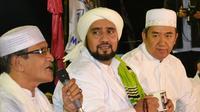Habib Syech bin Abdul Qadir Assegaf dalam acara Sholawat Untuk Negeri di Ponpes Elbayan, Majenang, Cilacap. (Foto: LIputan6.com/Muhamad Ridlo)